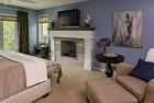 Kaupa_bedroom_fireplace
